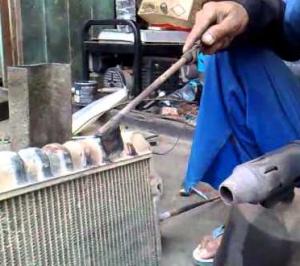 Cara Mudah Memperbaiki Radiator Bocor di Mobil