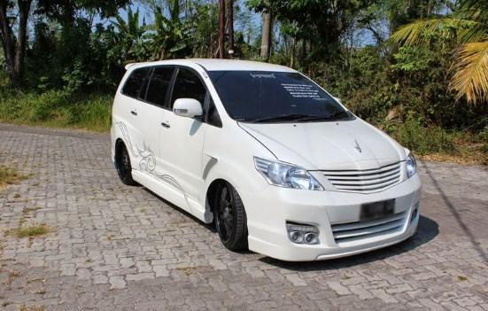 Modifikasi Mobil Kijang Innova