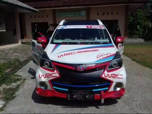 modifikasi mobil avanza 2012
